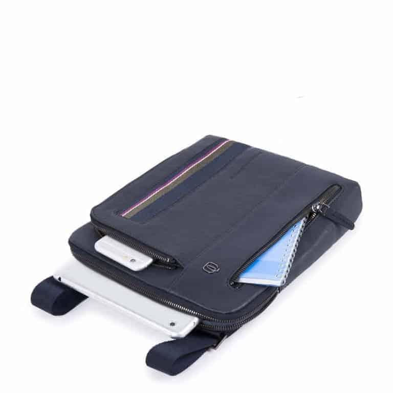 f0a3f52a55d30f Borsello-Piquadro-porta-iPad-B3s-in-pelle-blu-
