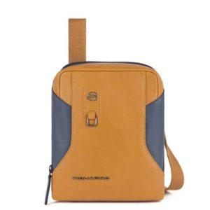 Borsello Piquadro porta tablet mini in pelle Hakone cuoio/blu